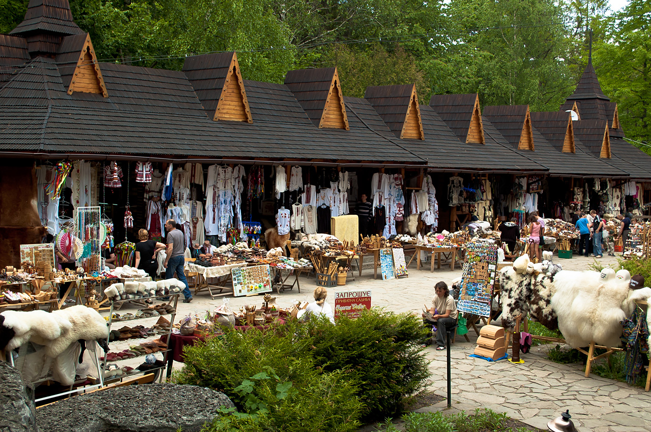 Рынок Яремче, Карпаты 2011 фото